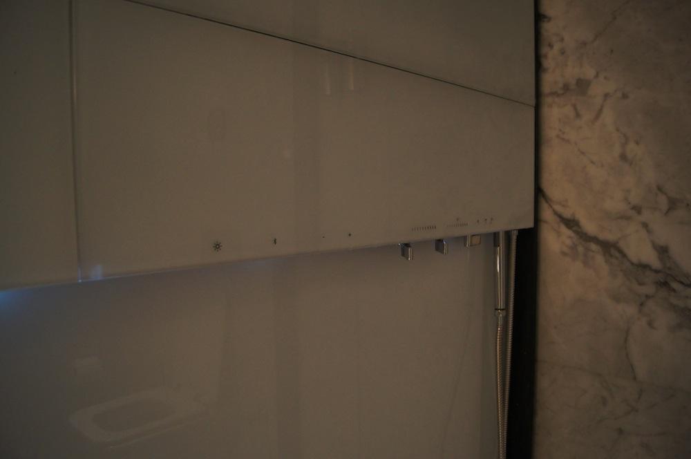 http://oliverckhaas.com/tripreports/2012_tkmini/lounge/3.JPG